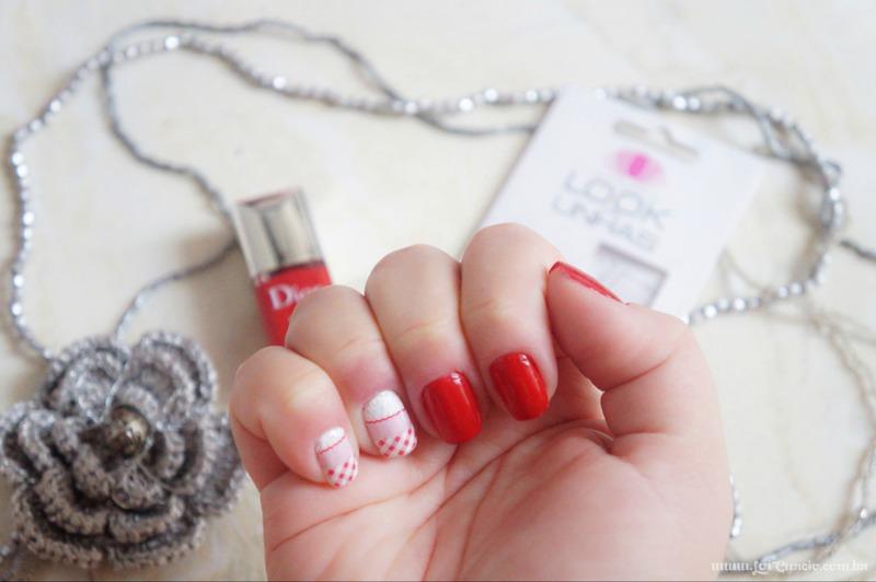 Unhas Esmalte Rouge Altesse 999 Dior e Pelicula Xadrez e Renda Rosa - Loi Curcio-1