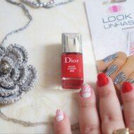 Unhas: Esmalte Rouge Altesse 999 Dior e Película Xadrez e Renda Rosa
