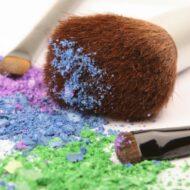 Higienizando Pincéis de Maquiagem (Rápido e Fácil)