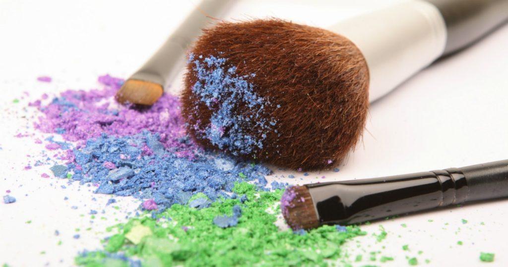 higienizando-pinceis-de-maquiagem-rapido-e-facil