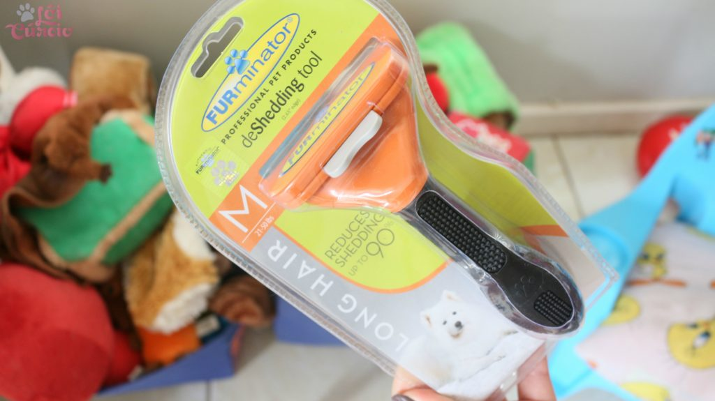 escova-furminator-para-caes-e-gatos-funciona-precos-modelos-como-usar-sua-casa-sem-pelos-com-a-escova-tira-pelos-loi-curcio-6